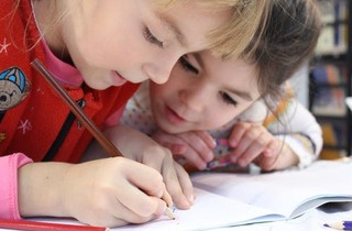 Kids girl pencil drawing 159823